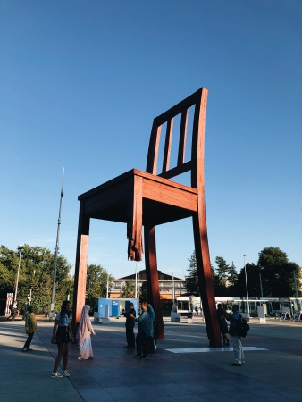 Broken Chair - United Nations
